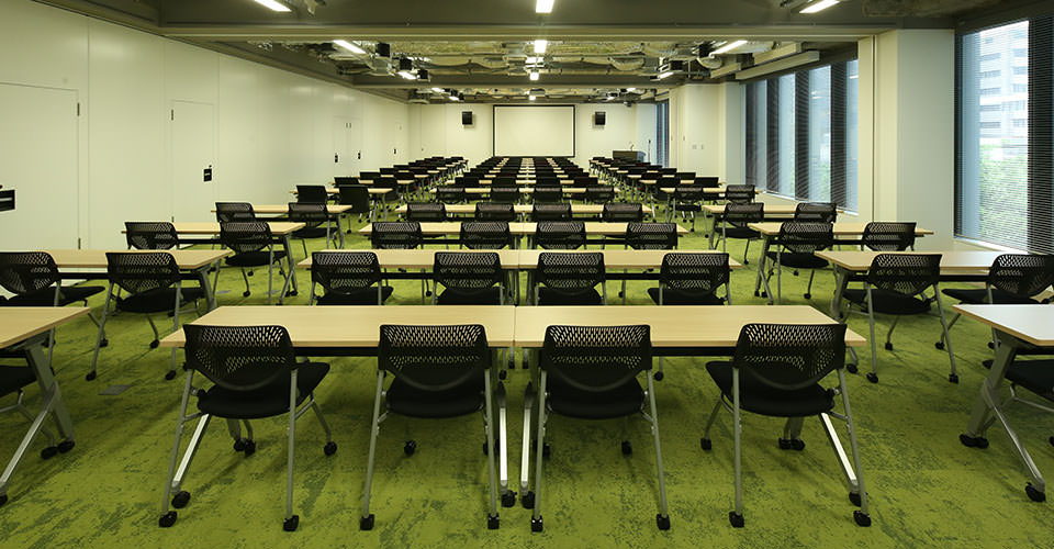 Classroom style (up to 100 people) using three units
